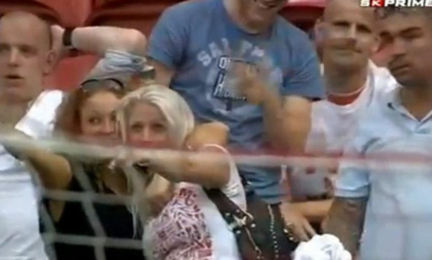 Blondynka na meczu