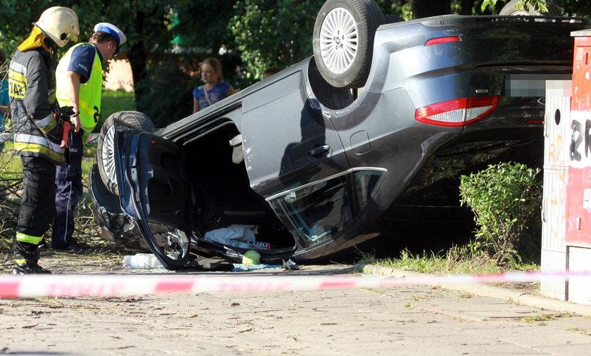 Dachowanie pijanego kierowcy.