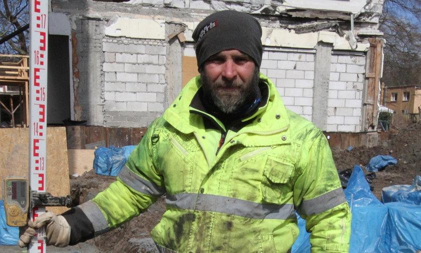 Zasiłek dla bezrobotnych musi wzrosnąć – mówi Krzysztof Symonowic (37 l.) z Bartoszyc.