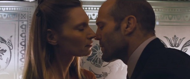 "Agata Buzek i Jason Statham w filmie ""Hummingbird"""
