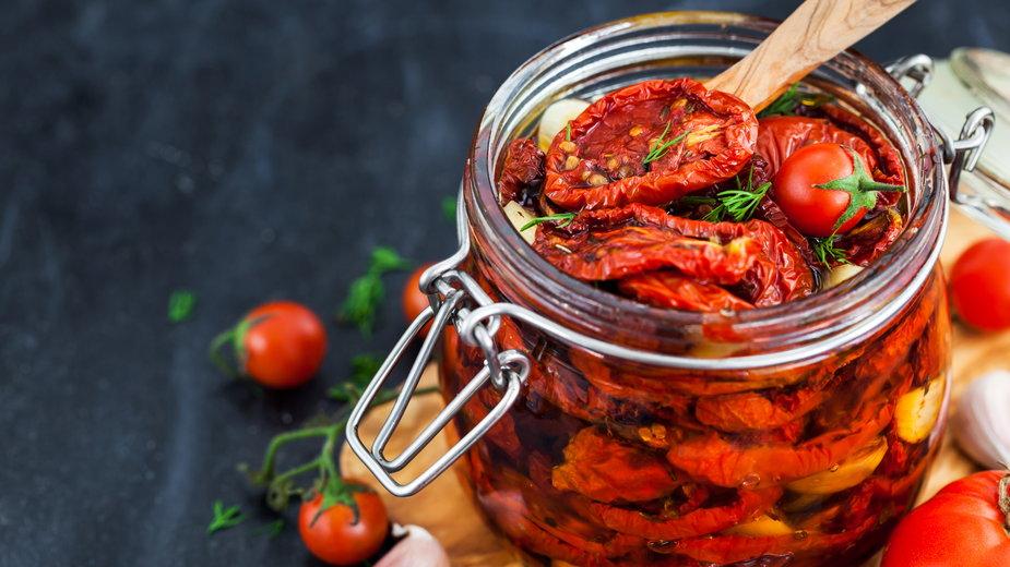 Suszone pomidory w oliwie - kate_smirnova/stock.adobe.com