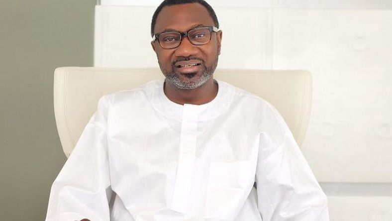 Nigerian billionaire, Femi Otedola donates N5b to Save the Children charity organisation. (ADS54)