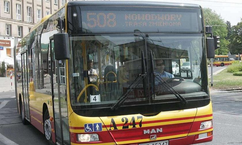 Wyrzucają z autobusu za rozmowę przez komórkę