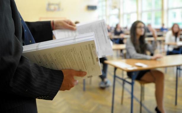 Uczniowie klas trzecich zmierzyli się w środę z egzaminem z języka obcego.