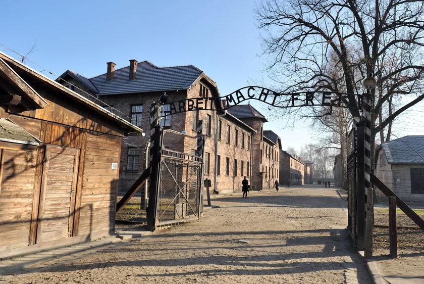 """Tym razem nie chodzi o """"polskie obozy koncentracyjne"""""""