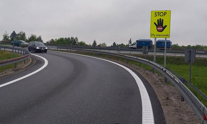 Widząc ten znak kierowcy powinni natychmiast zawrócić.
