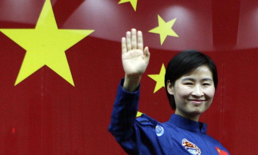 Liu Yang pierwsza Chinka w kosmosie.