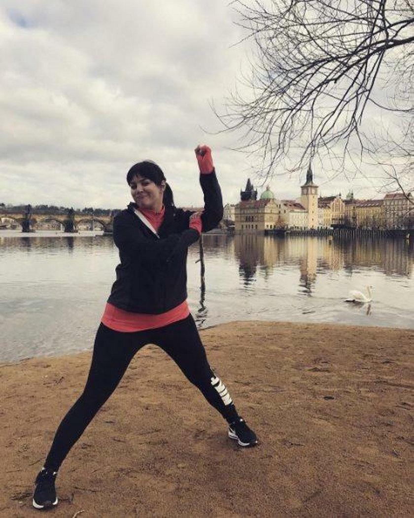 Ewa Farna w sportowym stroju