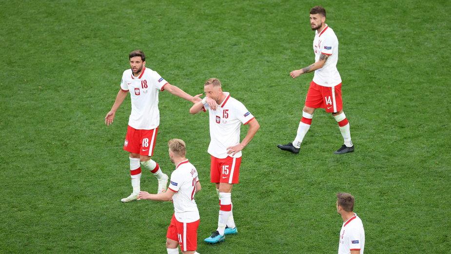 Zawodnicy reprezentacji Polski w trakcie meczu ze Słowacją na Euro 2020