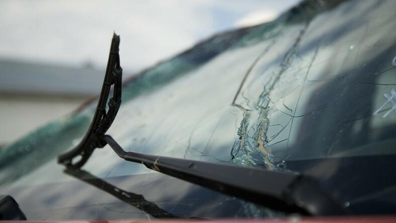 Baleset történt: felborult egy autó az M1-esen