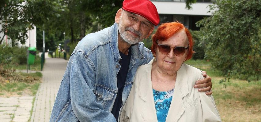 Mariusz Czajka nie miał pieniędzy na pogrzeb matki. Zwrócił się do internautów o pomoc. Ich reakcja wprawia w osłupienie