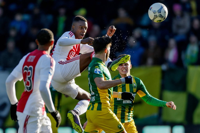 Piłkarz Ajaksu Amsterdam obrażany przez rasistów