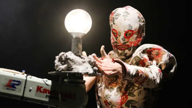 """Próba medialna sztuki """"Bajki Robotów"""" Teatru imienia Juliusza Słowackiego w Krakowie. Zdjęcie archiwalne z 2018 roku"""