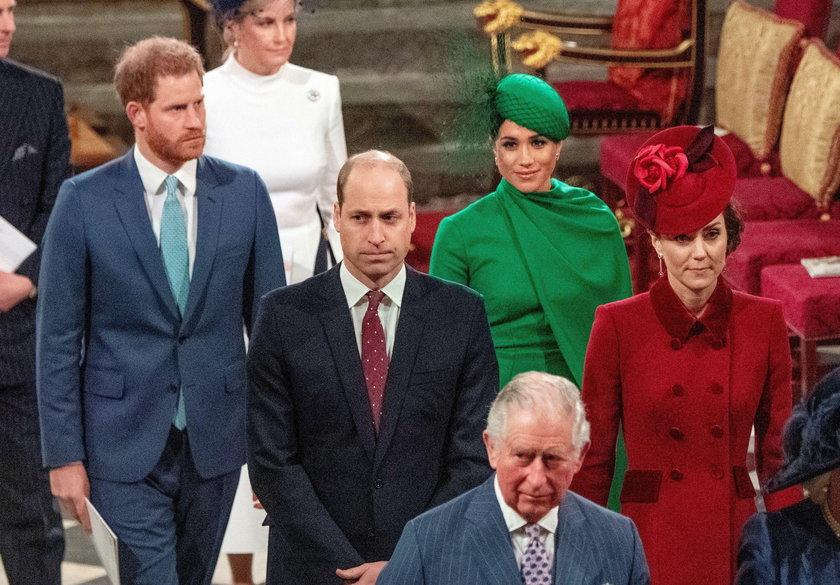 Książę William potraktował księcia Harry'ego jak obcego