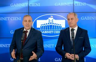 Neumann: Uchodźcom należy pomagać poza granicami Polski