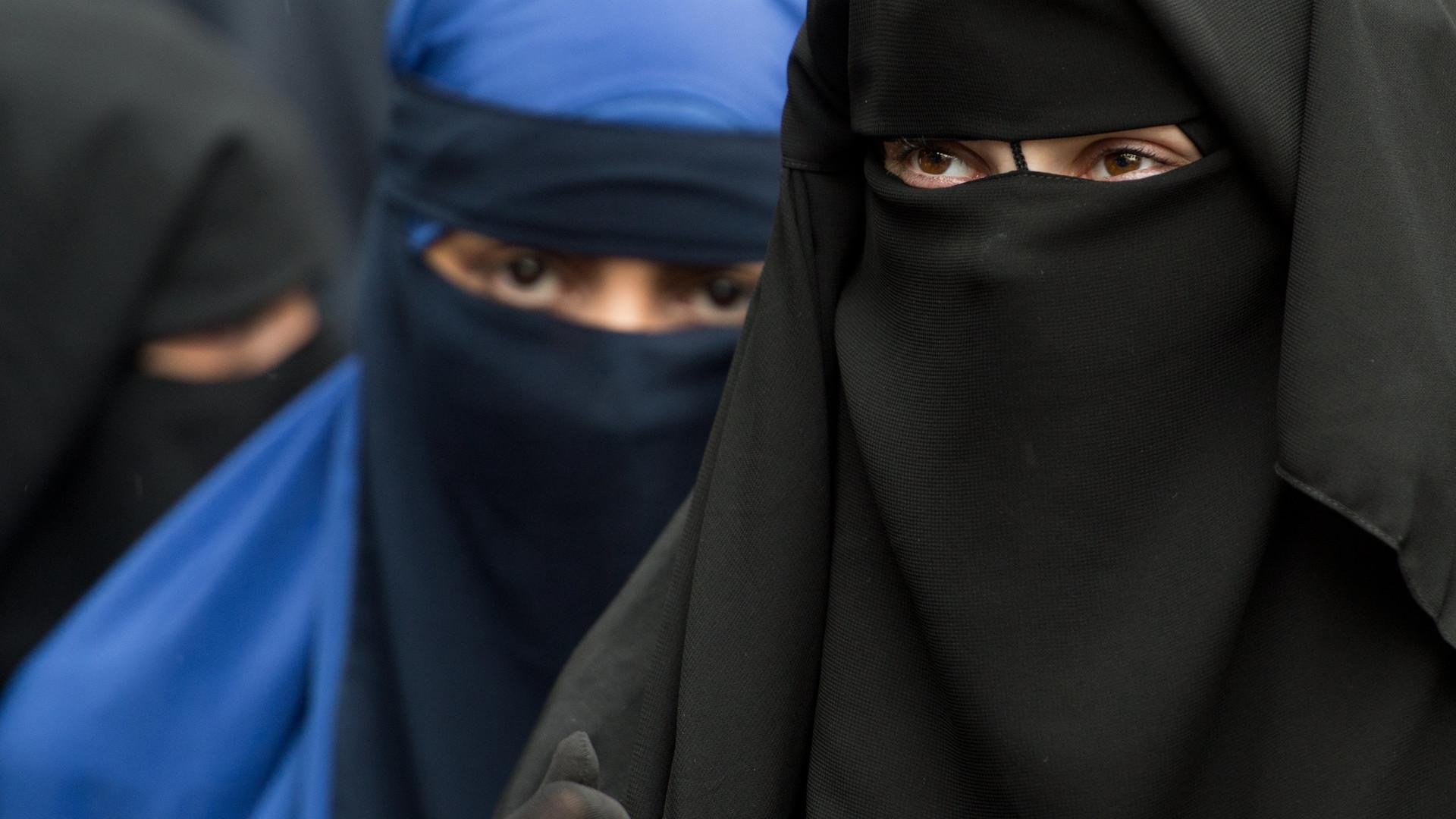 Abaya Burka Niqab Diese Kopftuch Arten Gibt Es Im Islam Noizz