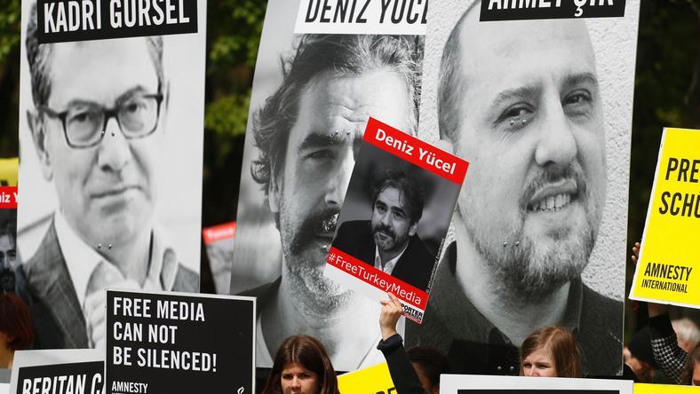 Ambasador odwiedził aresztowanego Deniza Yucela