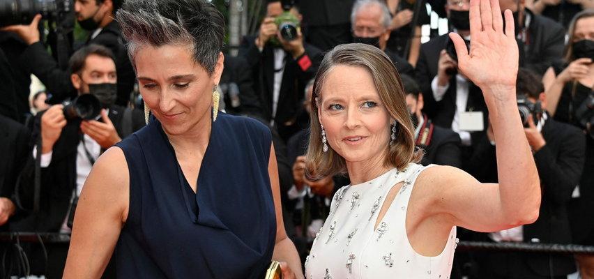 Jodie Foster z żoną na czerwonym dywanie