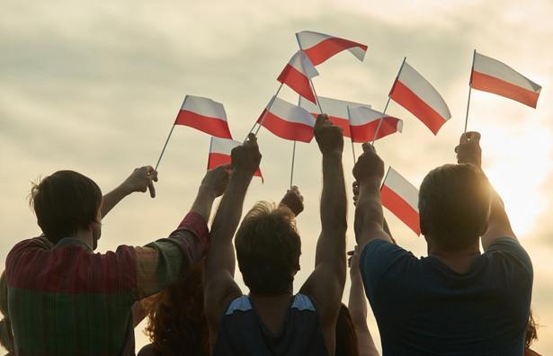 Na mocy Traktatu akcesyjnego podpisanego kwietnia 2003 roku w Atenach Polska jest członkiem UE od 1 maja 2004 roku.