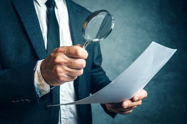 Naczelnik urzędu skarbowego będzie mógł wystąpić (w związku z wszczętą kontrolą podatkową lub prowadzonym postępowaniem podatkowym) z żądaniem o przekazanie informacji dotyczących kontrolowanego i strony.