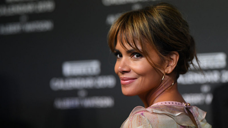 Halle Berry rezygnuje z grania osoby transgenderowej po krytyce - Film
