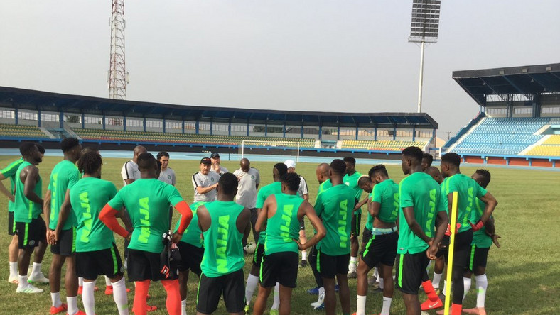 Super Eagles of Nigeria are protesting unpaid wages and bonuses in Egypt (Twitter)
