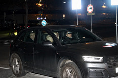 AVION SA ŠABANOVIM TELOM SLETEO U SRBIJU Na aerodrom po pokojnika došle Goca i Ilda Šaulić