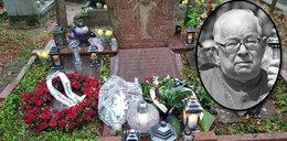 Kard. Gulbinowicz pochowany w tajemnicy. Na grobie świeży wieniec bez nazwiska