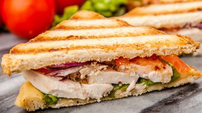 DIY Recipes: How to make Crispy fried chicken sandwich