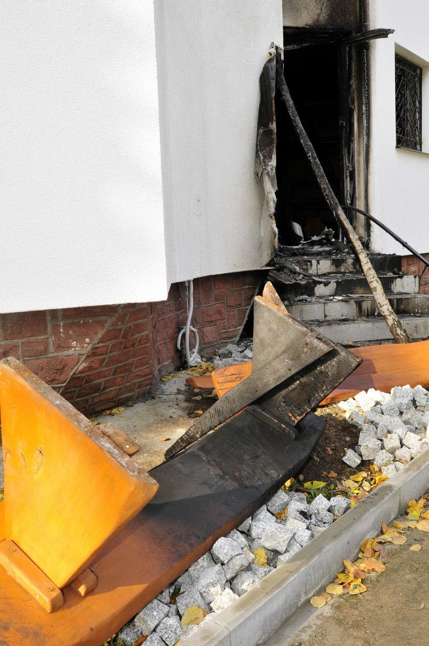 Meczet podpalono 16 października 2013 roku