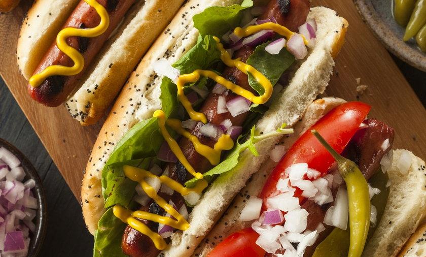 Czy jedzenie wpływa na długość życia? I jak się ma do tego hot dog? Według ostatnich badań, niestety, zabiera on zdrowe minuty życia. A jakie jedzenie dodaje tych minut?