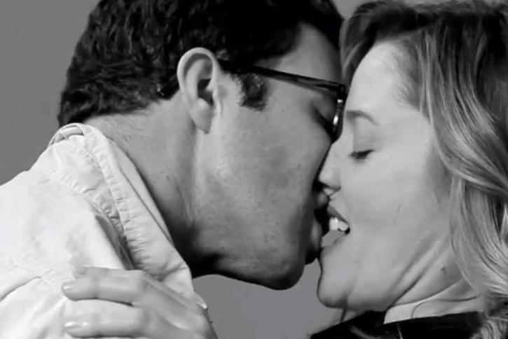 seks i całowanie filmy