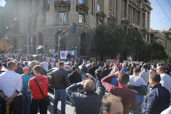 Svi ispred zgrade Vlade Srbije