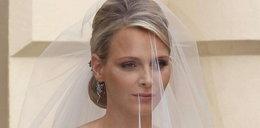 Smutna księżniczka Charlene na własnym ślubie