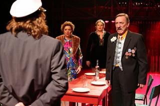 'Udając ofiarę' w prezencie dla widzów, czyli 6. urodziny Och-Teatru