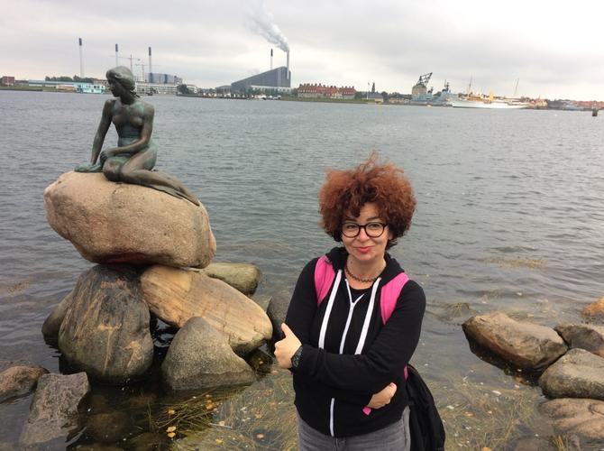 Naša novinarka sa malom sirenom u Kopenhagenu