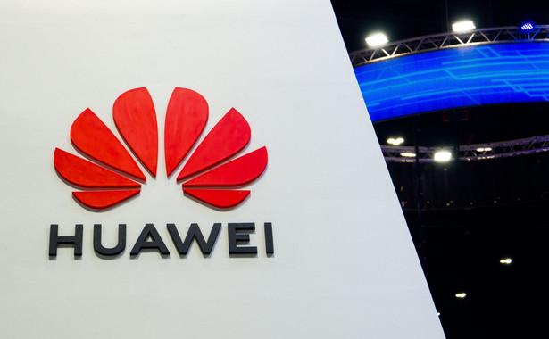 """""""Rząd (Chin - PAP) nie ma udziałów w Huawei i trzyma się z daleka od naszych interesów. Udziałowcami przedsiębiorstwa są w 100 proc. pracownicy"""" - mówi Zuo. """"Bezpieczeństwo sieci jest dla nas najwyższym priorytetem"""" - zapewnił."""