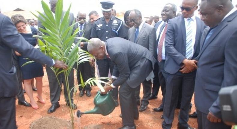 Amissah-Arthur breaks ground for $64m project at UG