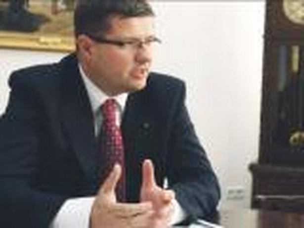 """""""Powtarzam, że nasze decyzje nie są bezpośrednio uzależnione od decyzji innych banków centralnych"""" - zaznaczył Skrzypek."""