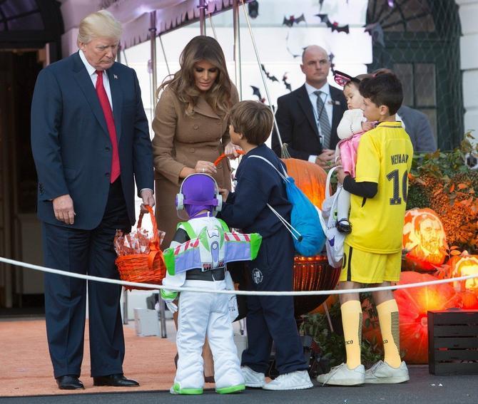 Novinarka je istakla da rad sa decom posebno usrećuje Melaniju