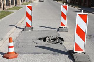 Dziurawa droga obciąża jej zarządcę