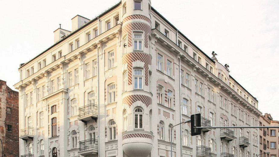 Dom pod Sowami na Pradze odzyskał blask. Kamienica pochodzi z 1906 roku!