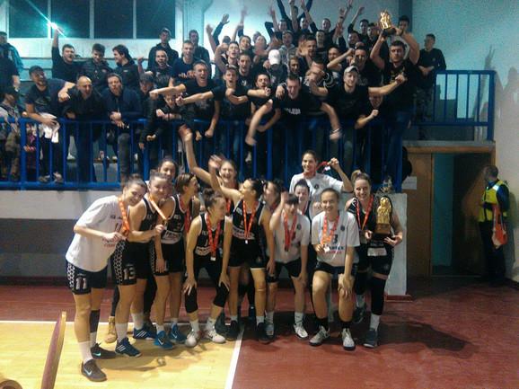 Slavlje košarkašica Partizana sa