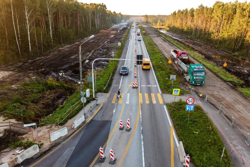 Niebezpieczne przejście na przebudowywanej S1 w Dąbrowie Górniczej.