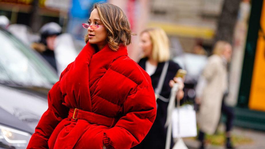 Modne kurtki na sezon zimowy 2021. Jakie modele będą w trendach?