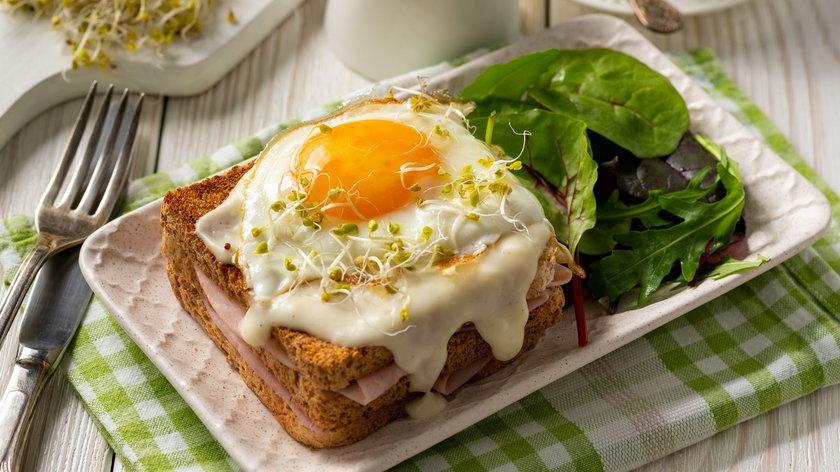 Ciepłe kanapki nie tylko na śniadanie! Mogą zastąpić obiad