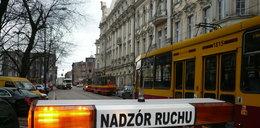 Wandal rzucił butelką - ranna dziewczyna w tramwaju