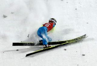 Kamil Stoch upadł przy lądowaniu podczas trenigu na dużej skoczni