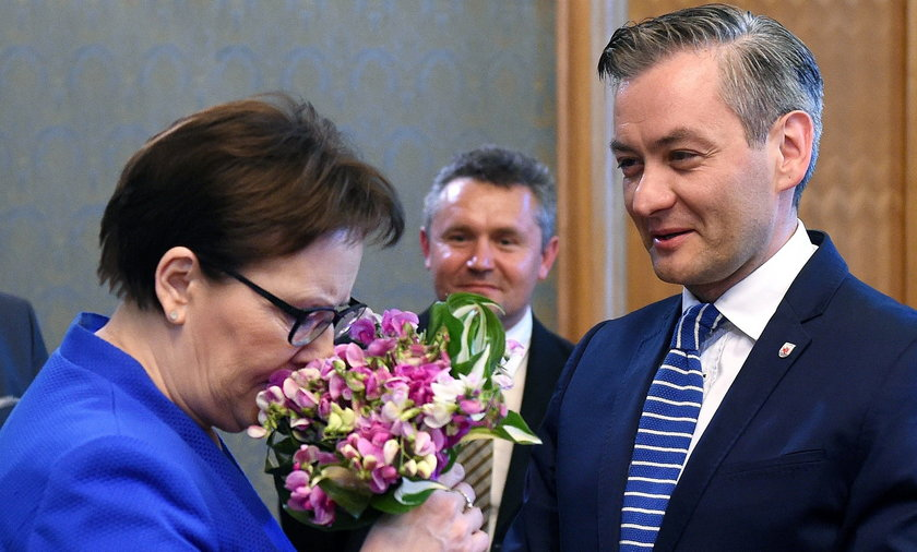 Kopacz dała Biedroniowi 9 mln zł!