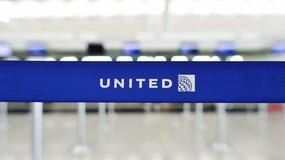 Pasażera usunięto siłą z samolotu linii United Airlines